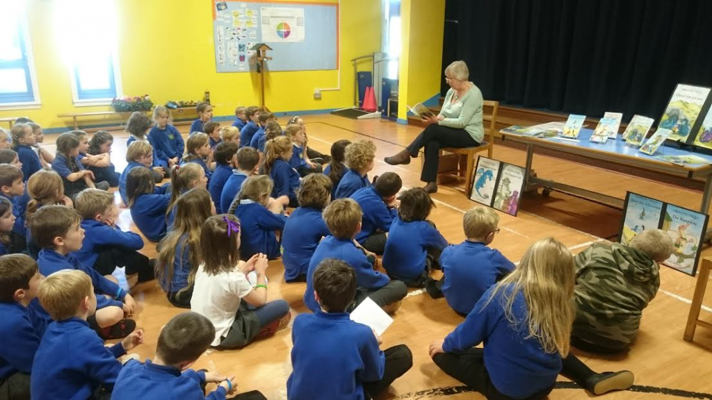 With P3 in the hall, listening to author Judy Hayman.