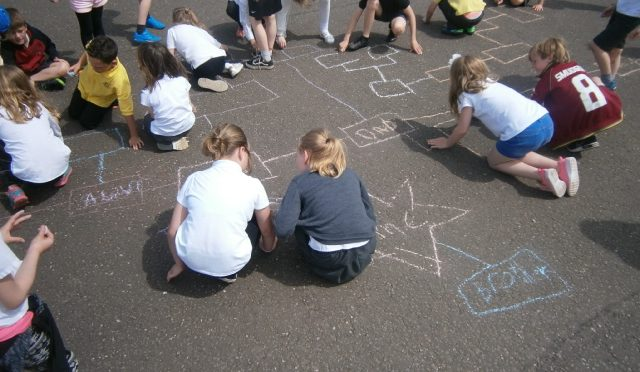 P4 learn how to make a family tree.