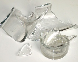 broken_glass250.jpg