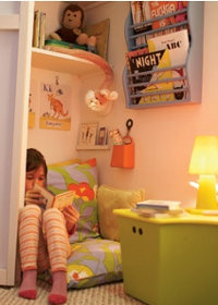 bedtime reading copyright ooh_food @ Flickr