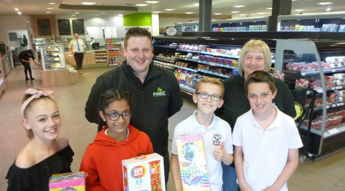 P7a Pupils visit Pinkie Farm Shop to collect items for raffle