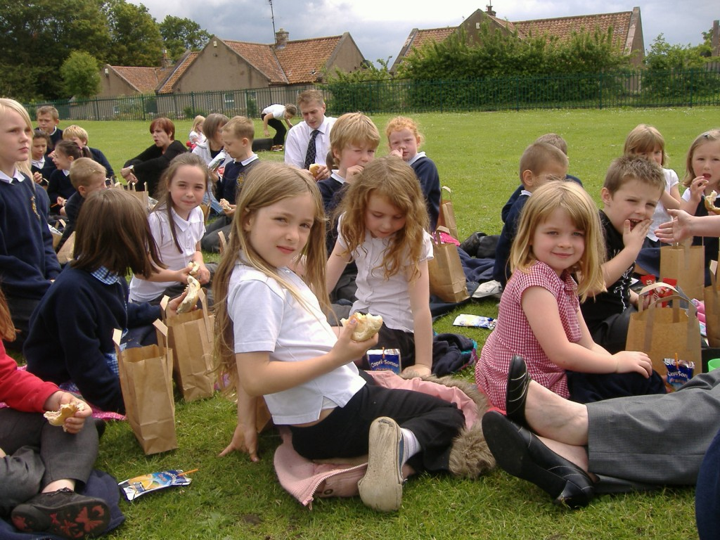 How to Host a School Picnic (With Almost Zero Planning)
